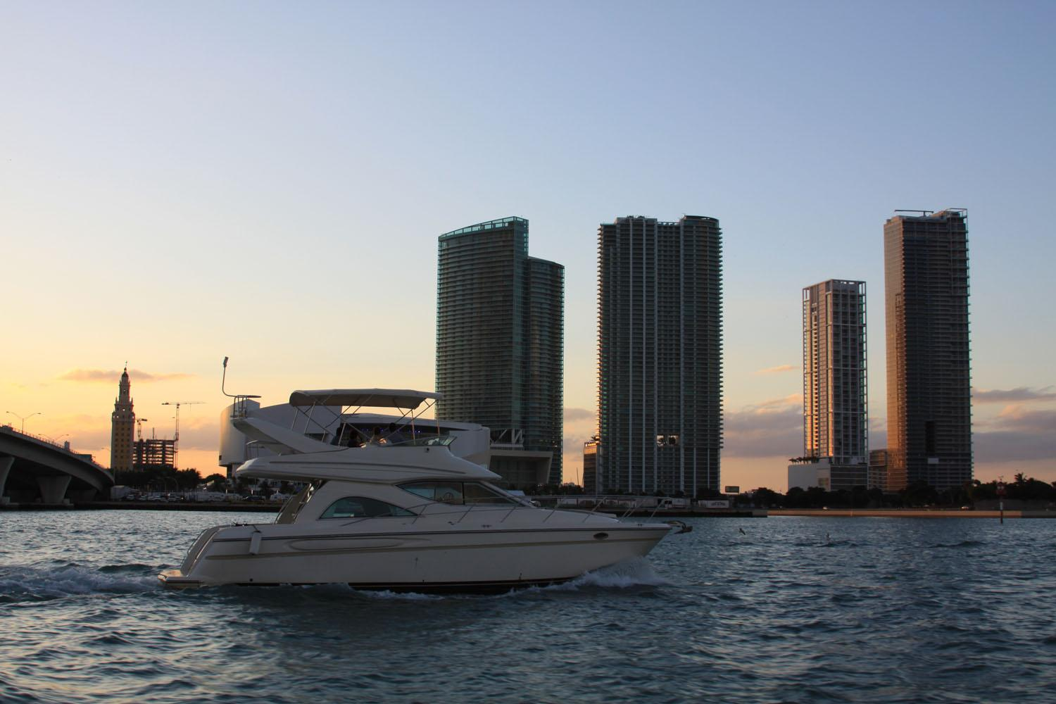 Marina Blue Downtown / Biscayne Area Condos for Sale