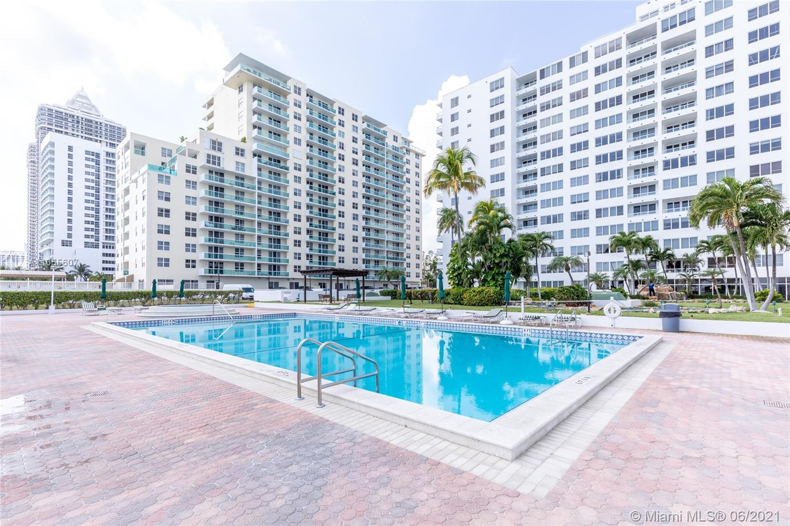 Carriage Club - Condos for sale