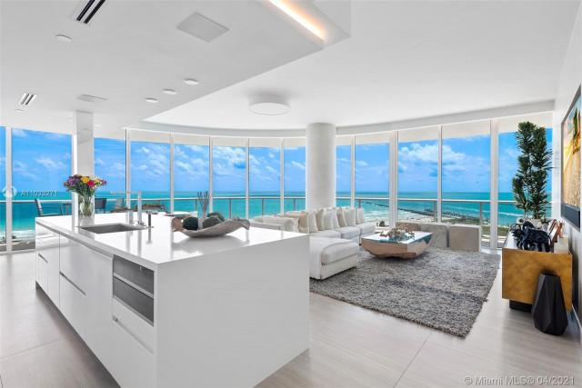Continuum South Tower Condos at Miami Beach