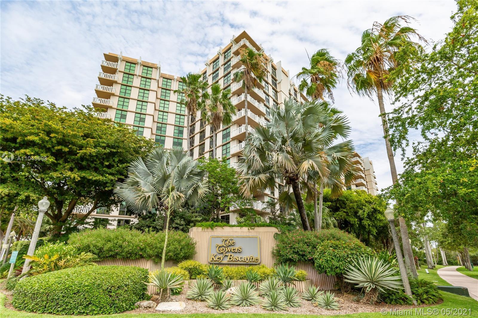 Towers of Key Biscayne - Кондо на продажу