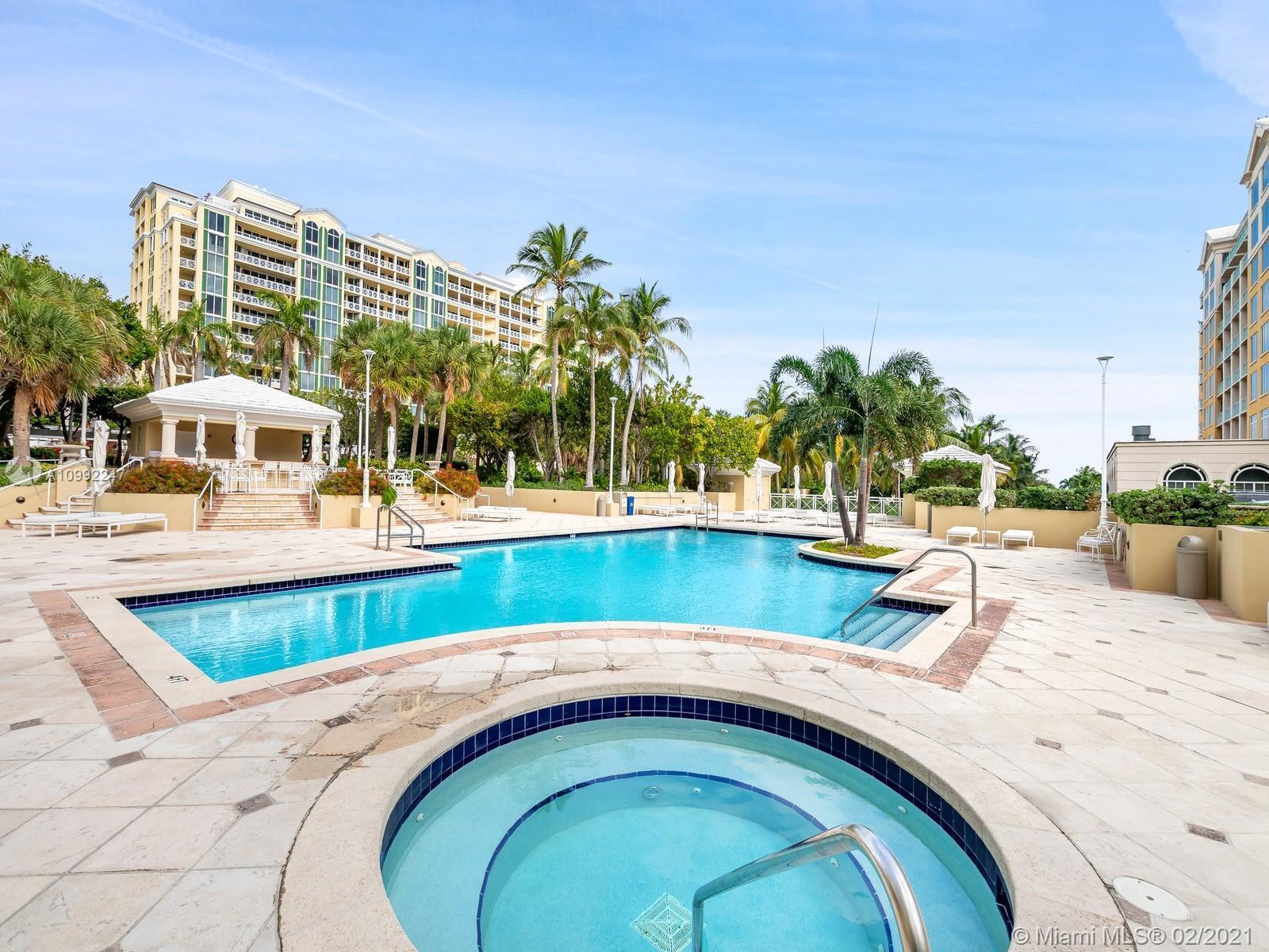 Grand Bay Residences - Квартиры
