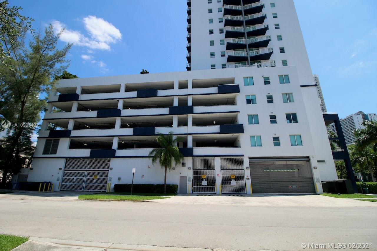 1800 Biscayne Plaza Квартиры
