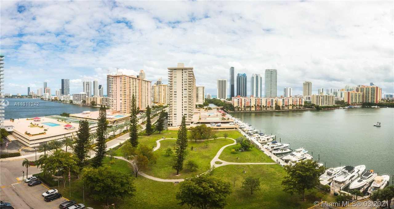 Winston Towers 700 Condos - Sunny Isles Beach