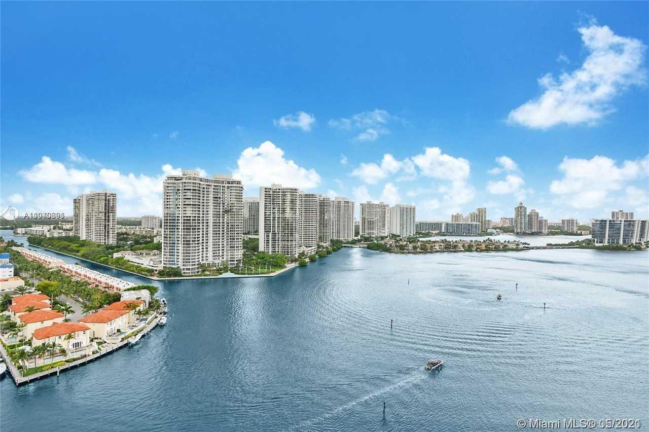 Winston Towers 500 Condos - Sunny Isles Beach