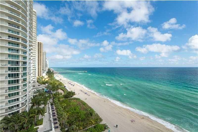 Квартиры на продажу в Trump Tower One Sunny Isles Beach